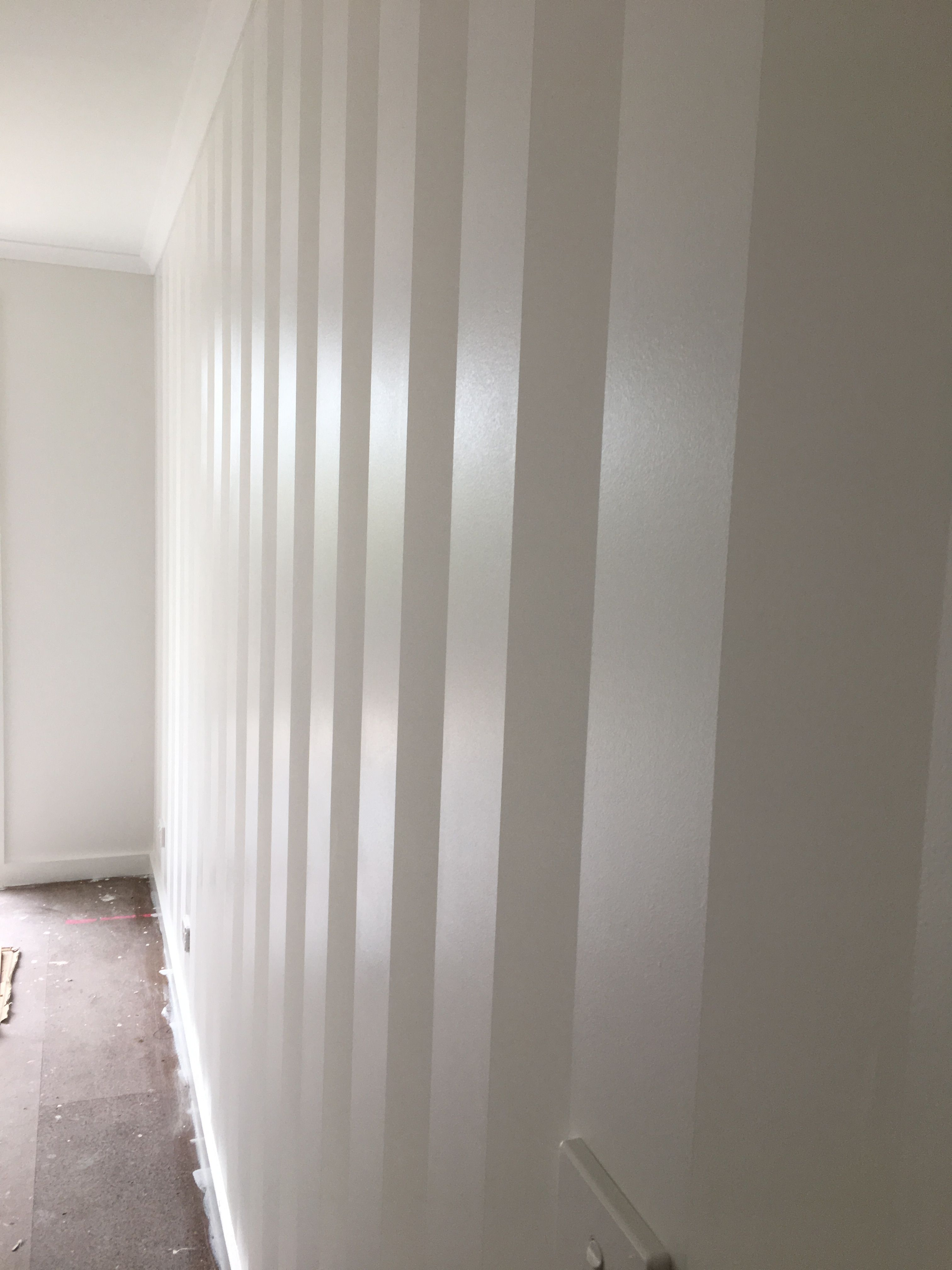 White Matt Paint And Semi Gloss White Paint Stripes Painting Stripes On Walls Glitter Paint For Walls Striped Walls