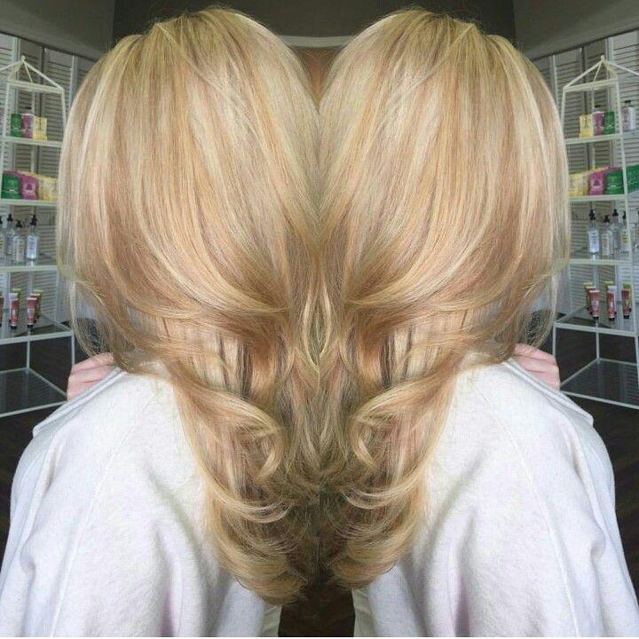 Natural Strawberry Blonde Hair With Platinum Highlights Strawberry Blonde Hair Honey Blonde Hair Honey Hair