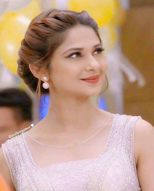 #JenniferWinget | Bridal hair buns, Hair styles, Beautiful ...