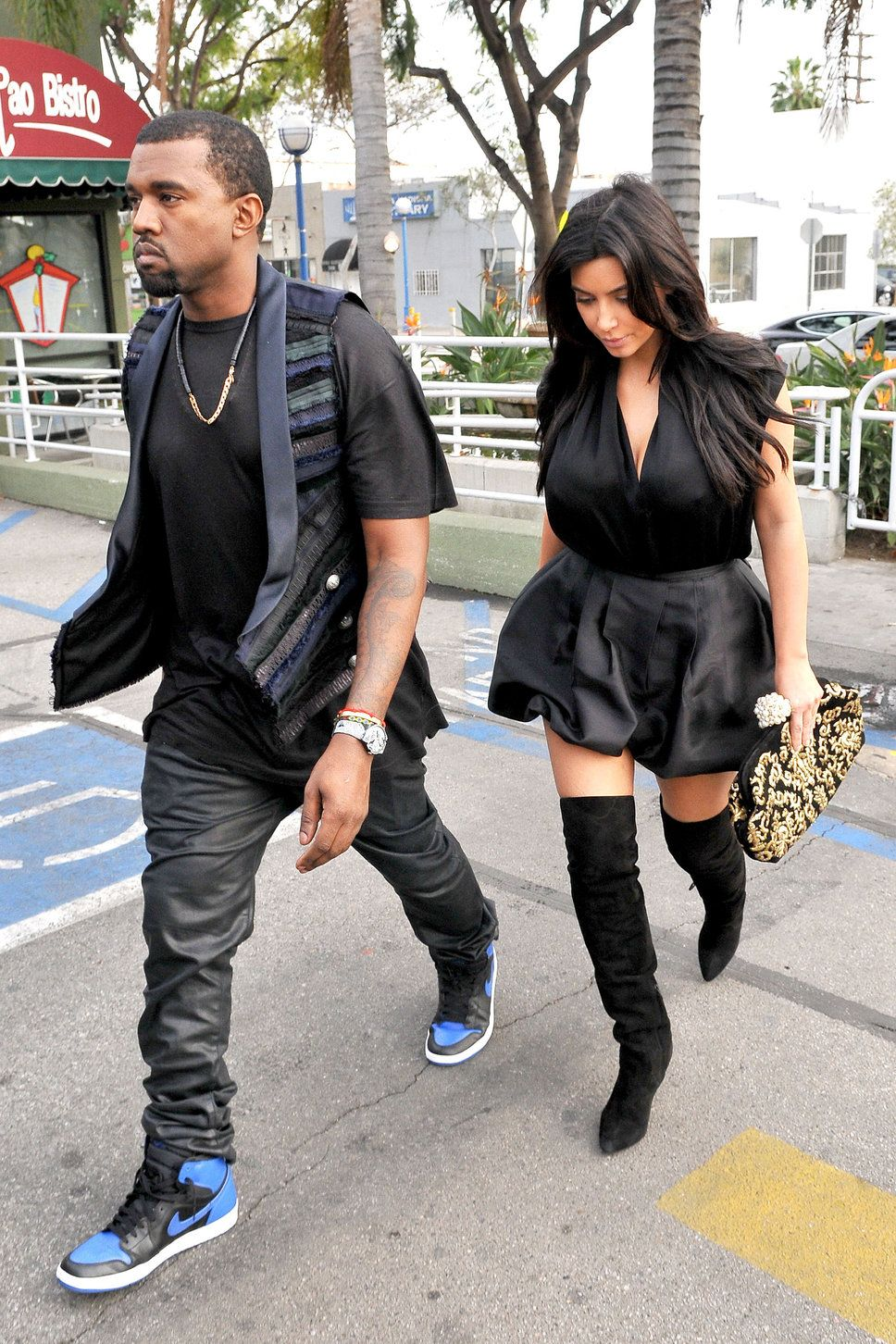 Kanye West And Kim Kardashian Pregnant Baby 2013 Confirmed Black Dress Black Boots Mom Dad Kanye West And Kim Celebrity Sneakers Kim Kardashian
