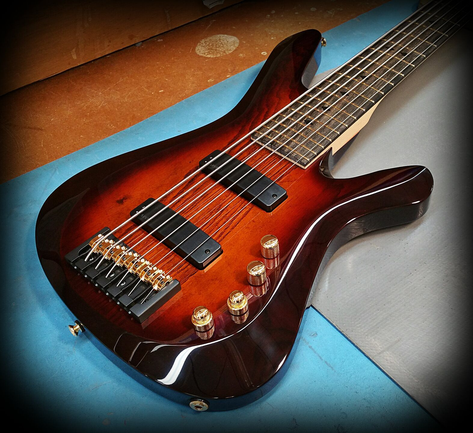 kiesel guitars carvin guitars v69k in translucent orangeburst over