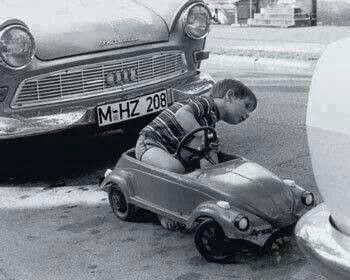VW typ 1 a pedal. Década de 1950