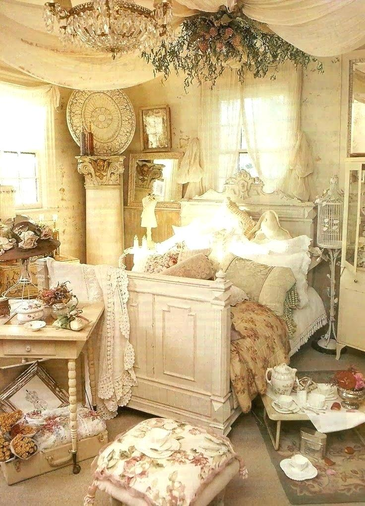 25 French Country Bedroom Design And Decor Ideas For A Unique And Relaxing Space Rustic Chic Bedroom Shabby Chic Bedrooms Shabby Chic Decor Bedroom