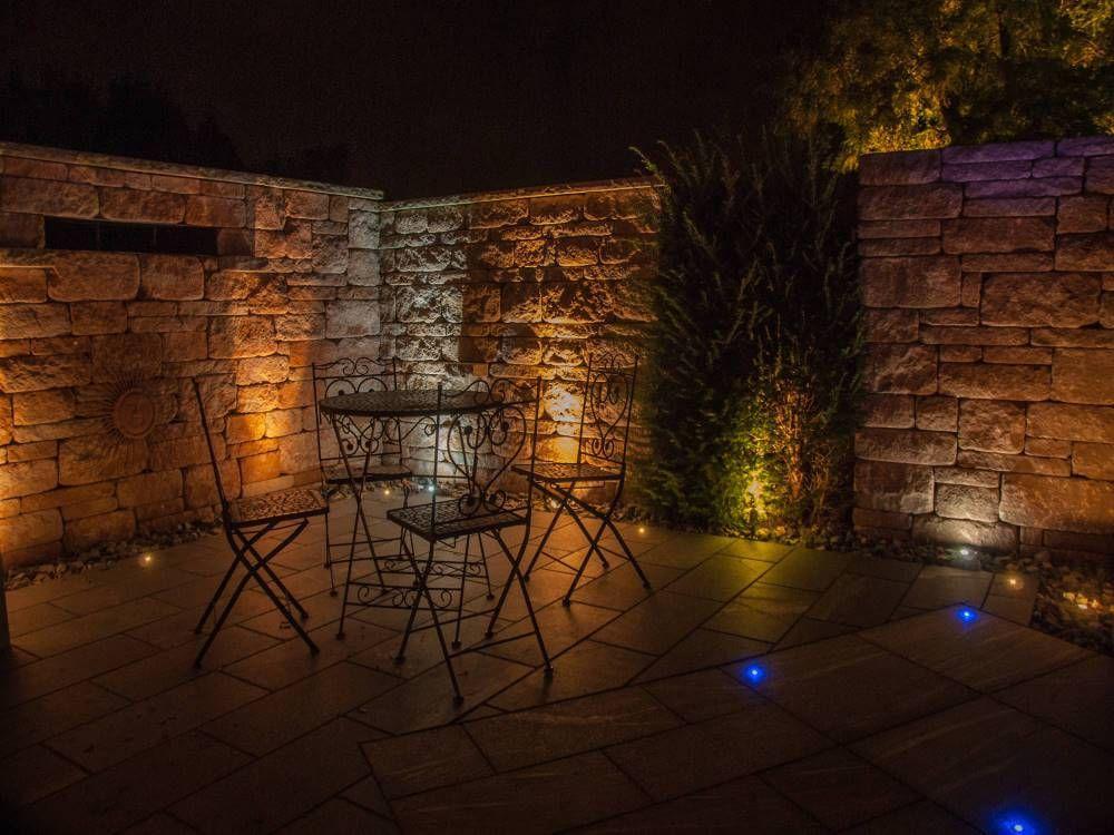 Https Www Traumgarten Nrw Santuro Mauer Beleuchtung Garten Gartenmauer Holzgitter