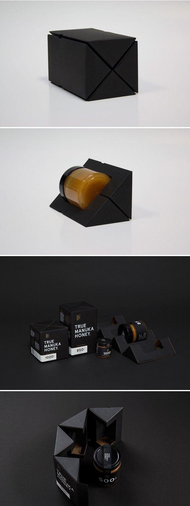 Think inside the box! Stilrent og funksjonell emballasje for The True Honey Co. Print House kan bistå deg slik at din emballasje står ut fra mengden. #emballasje #designedbyMarxDesign