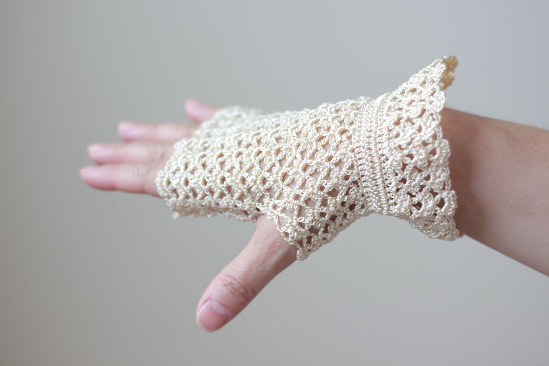 SUMMER SALE Cream Lace Gloves Fingerless gloves por SENNURSASA ...