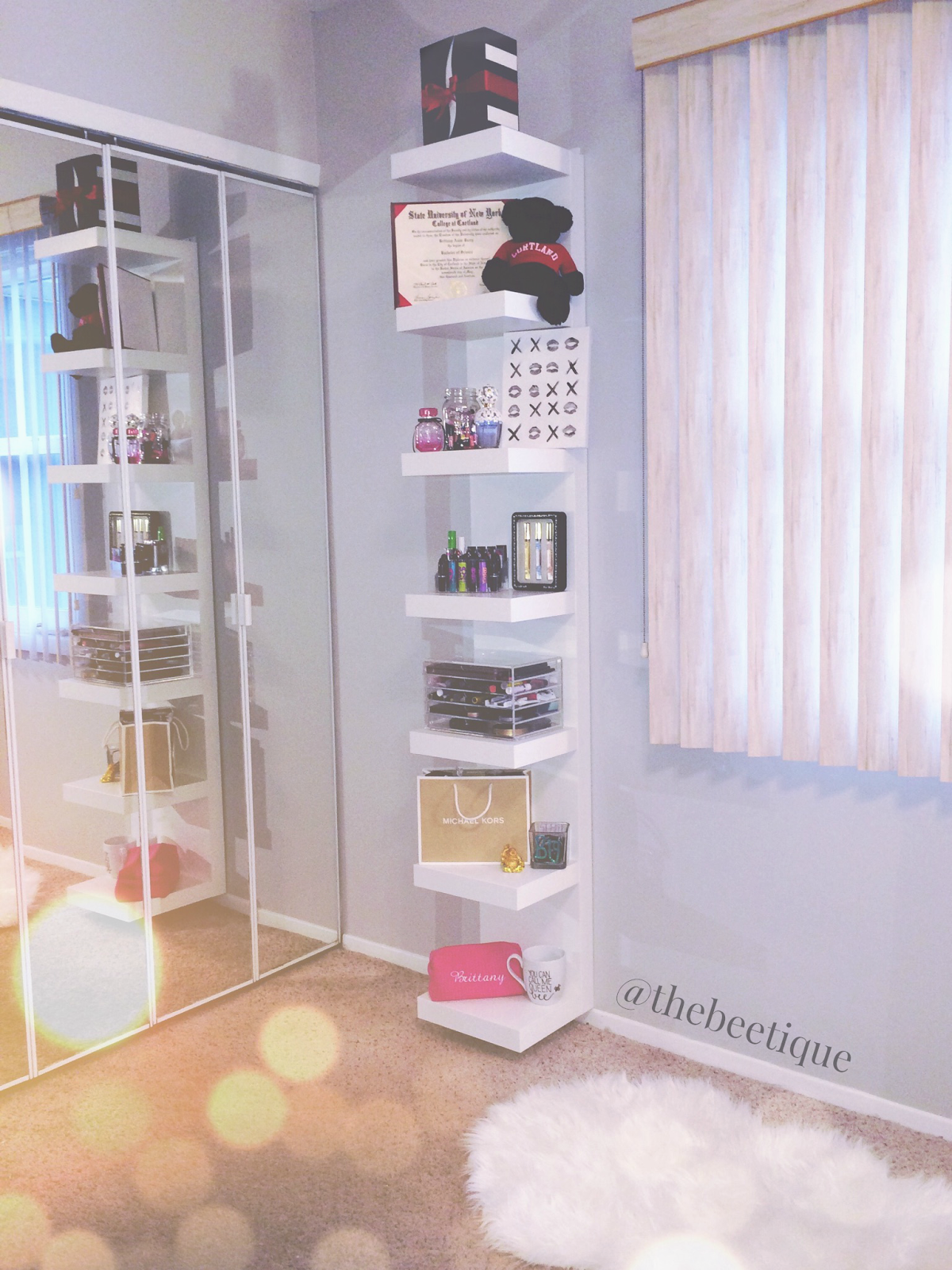 Room Decor Saving Space Vertically The Beetique Organization Bedroom Stylish Bedroom Small Bedroom Organization