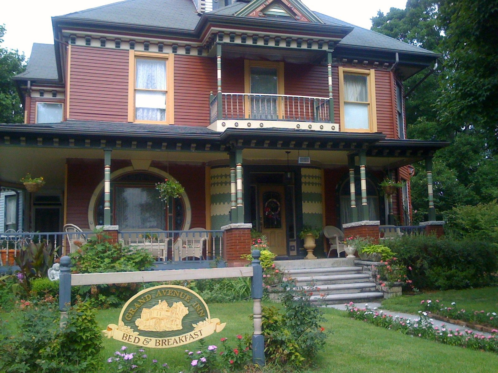 Grand Avenue Bed Breakfast Is A And In Carthage Plan Your Road Trip To Mo With Roadtrippers