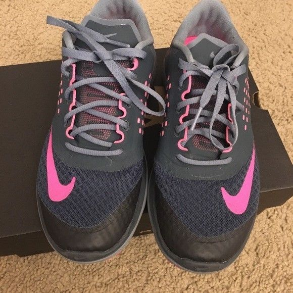 67847f48c897e Women Grey and Pink Nike Fitsole tennis running shoes size 7.5  fashion   clothing  shoes  accessories  womensshoes  athleticshoes  ad (ebay link)