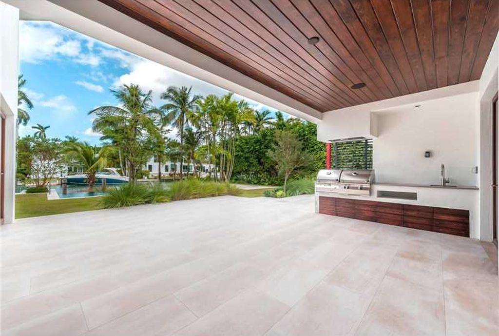 1617 W 22nd St, Miami Beach, FL 33140 - $11,500,000 Luxury Home and