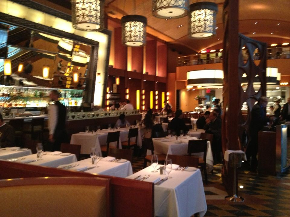 bar americain in new york ny bobby flay 39 s restaurant that. Black Bedroom Furniture Sets. Home Design Ideas