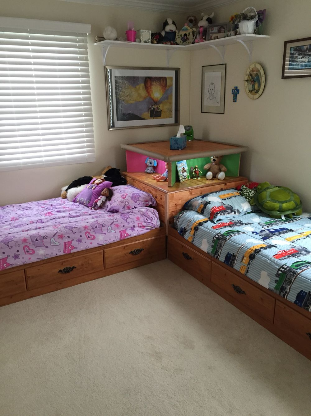 l shaped twin beds ikea on just finished making this corner unit today kids love it and a small room fit 2 twin beds with roo kids shared bedroom twin beds guest room small kids bedroom twin beds guest room small kids bedroom