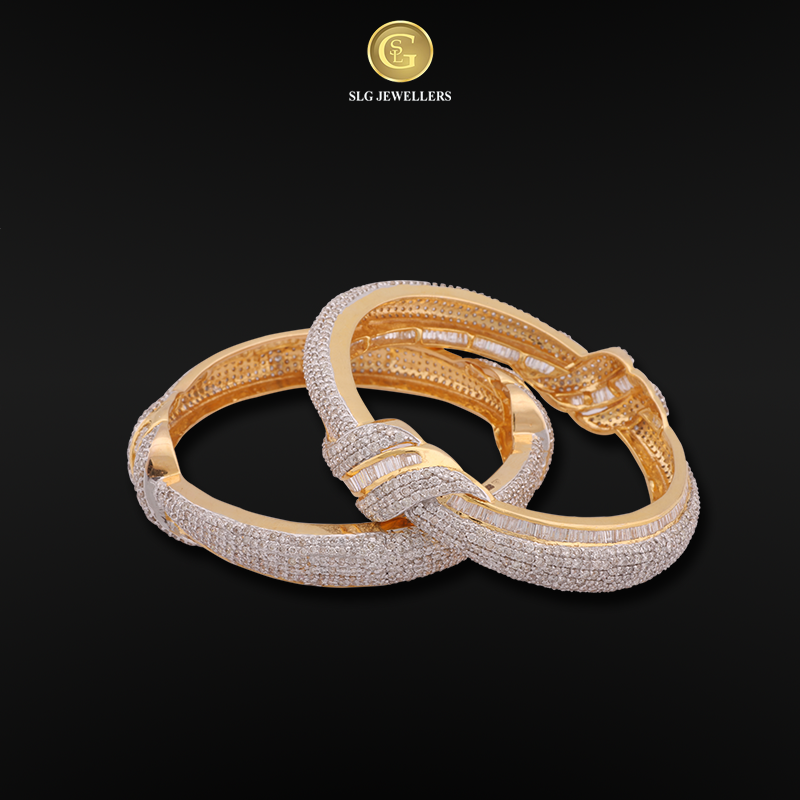 Make your style be always on the vogue with these fabulous bangles. ‪#‎SLGJewellers‬ ‪#‎Wedding‬ ‪#‎Bridal‬ ‪#‎Beauty‬ ‪#‎Fashion‬ ‪#‎Style‬