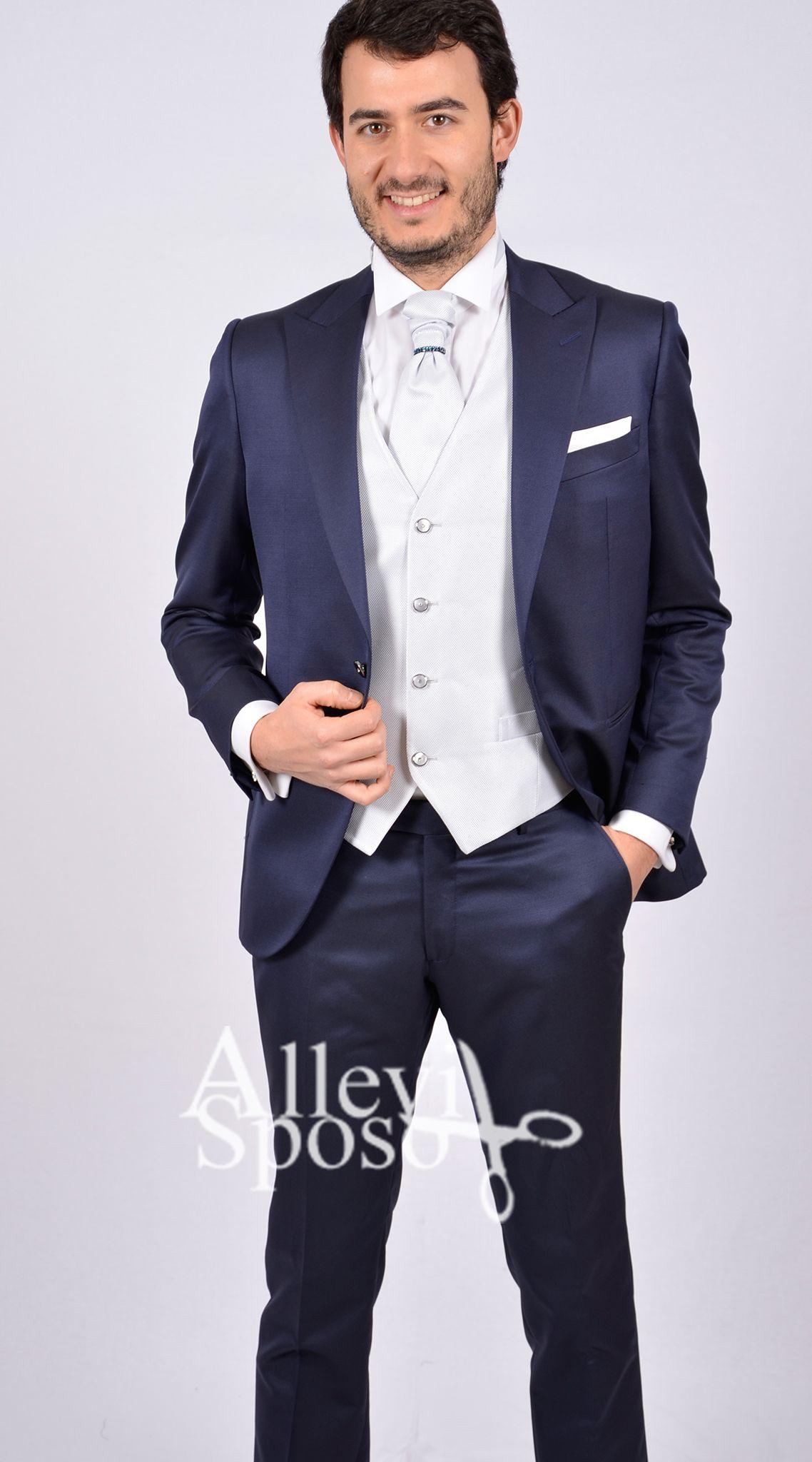 42684518e614 abito da cerimonia classico con gilet grigio perla liscio linea Allevi Sposo  abito da cerimonia elegante vestito da cerimonia trendy www.allevispo…