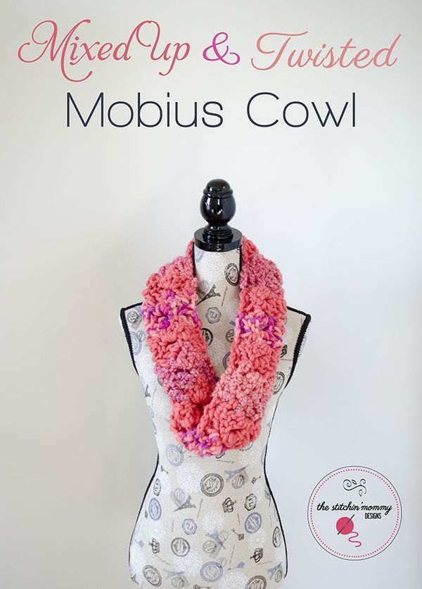 Mixed Up and Twisted Mobius Cowl #MixologyYarns | Tejido