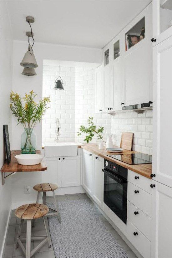 kleine küche einrichten schmaler raum offene regale küchen - kleine küchenzeile mit elektrogeräten