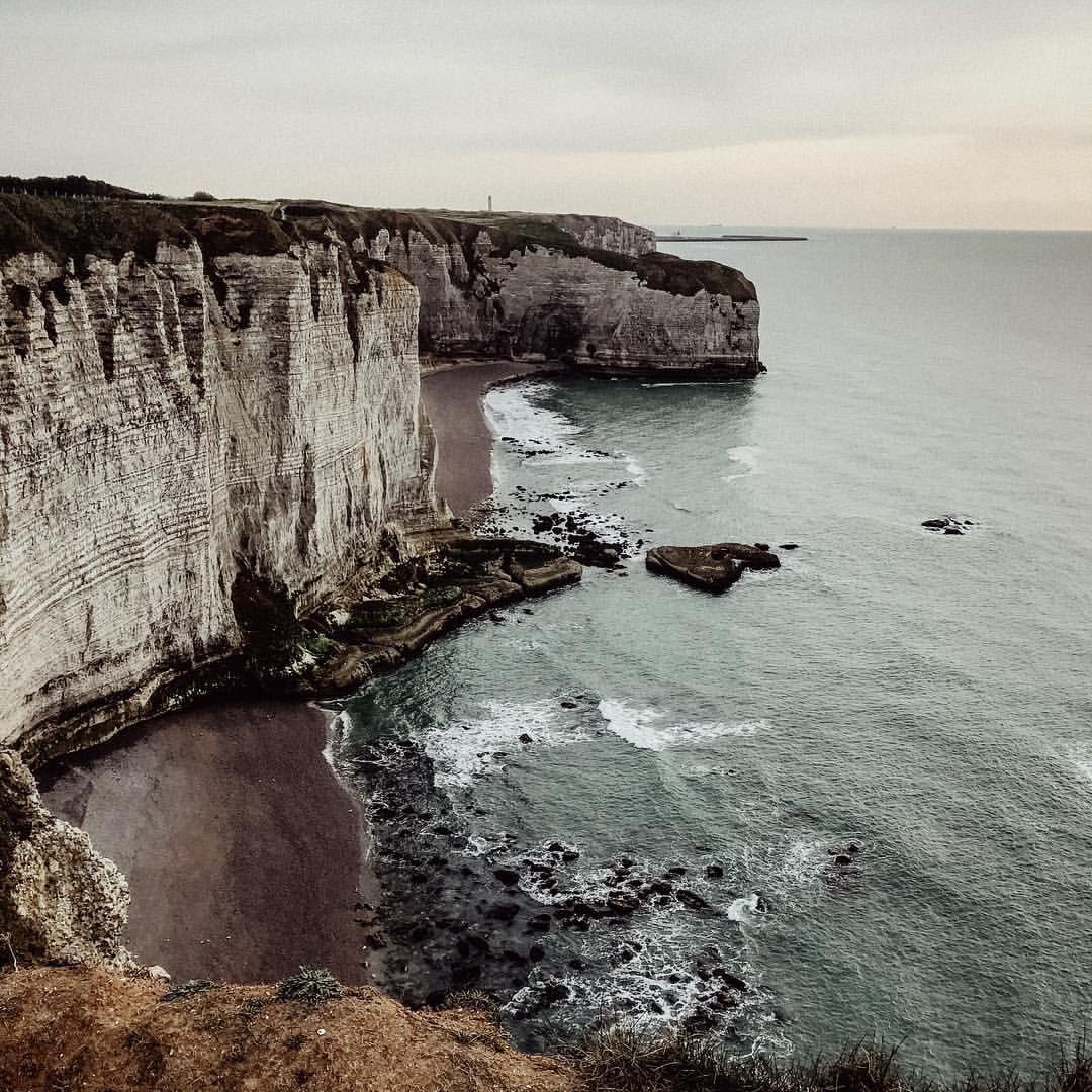 Etretat Normandie Cliffs Kuste Travel Coast Jennni Marie Travel Photography Instagram Coast