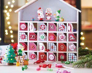 Un calendrier de l'avent fait maison ! C'est l'idée créative qui aide vos enfants à patienter en comptant les jours jusqu'à Noël. #calendrierdel#39;aventdiy Un calendrier de l'avent fait maison ! C'est l'idée créative qui aide vos enfants à patienter en comptant les jours jusqu'à Noël. #calendrierdelaventfaitmaisonenfant Un calendrier de l'avent fait maison ! C'est l'idée créative qui aide vos enfants à patienter en comptant les jours jusqu'à Noël. #calendrierdel#39;aventdiy Un ca #calendrierdelaventfaitmaisonfacile