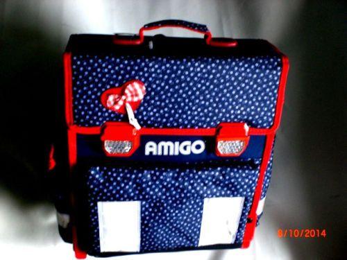 f627a050a5442 Schulranzen-von-AMIGO-in-blau-weiss-mit-Reflektoren