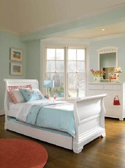 A Clic White Sleigh Bed By Young America Kids Bedroom Furniture Made In The Usa