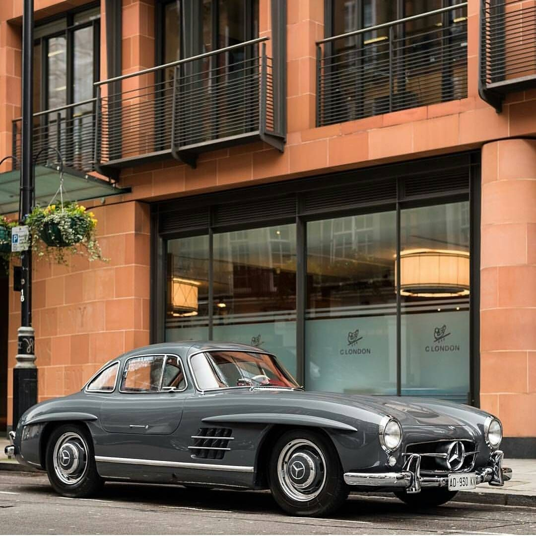Mercedes Benz #300SL #Gullwing; Spotted In London By