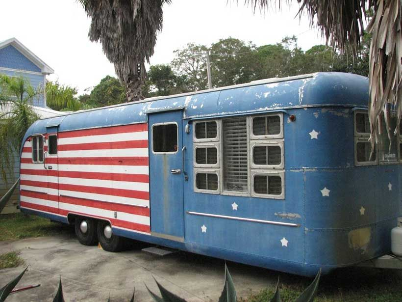16 Types Of Tiny Mobile Homes Which Nomadic Living Space Would You Choose Vintage Travel Trailers Vintage Trailers Vintage Rv