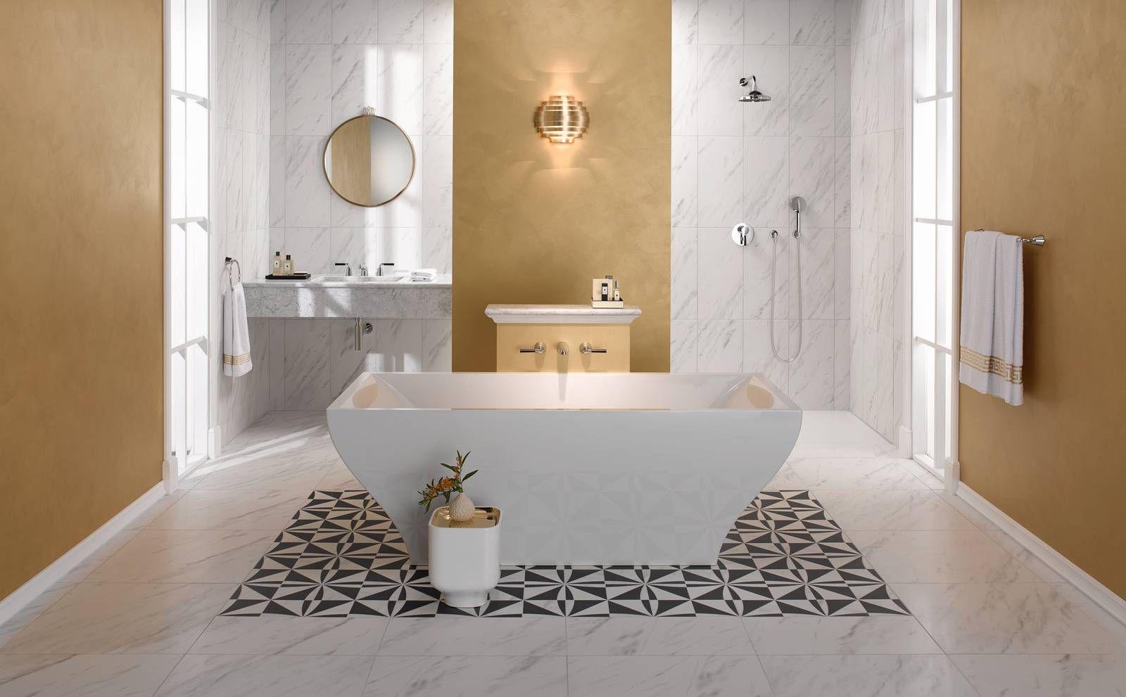 Een design badkamer kenmerkt zich door een strakke en moderne
