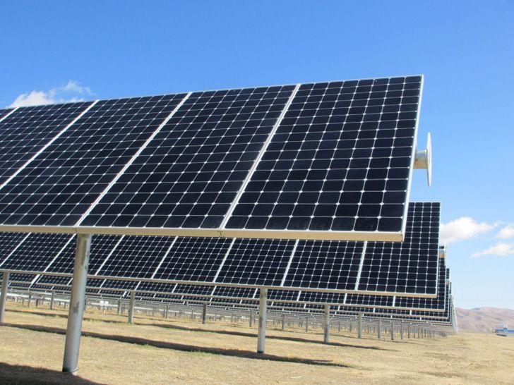 How To Build A Solar Farm In California A Profile On The Topaz Solar Farm Solar Power House Solar Solar Farm