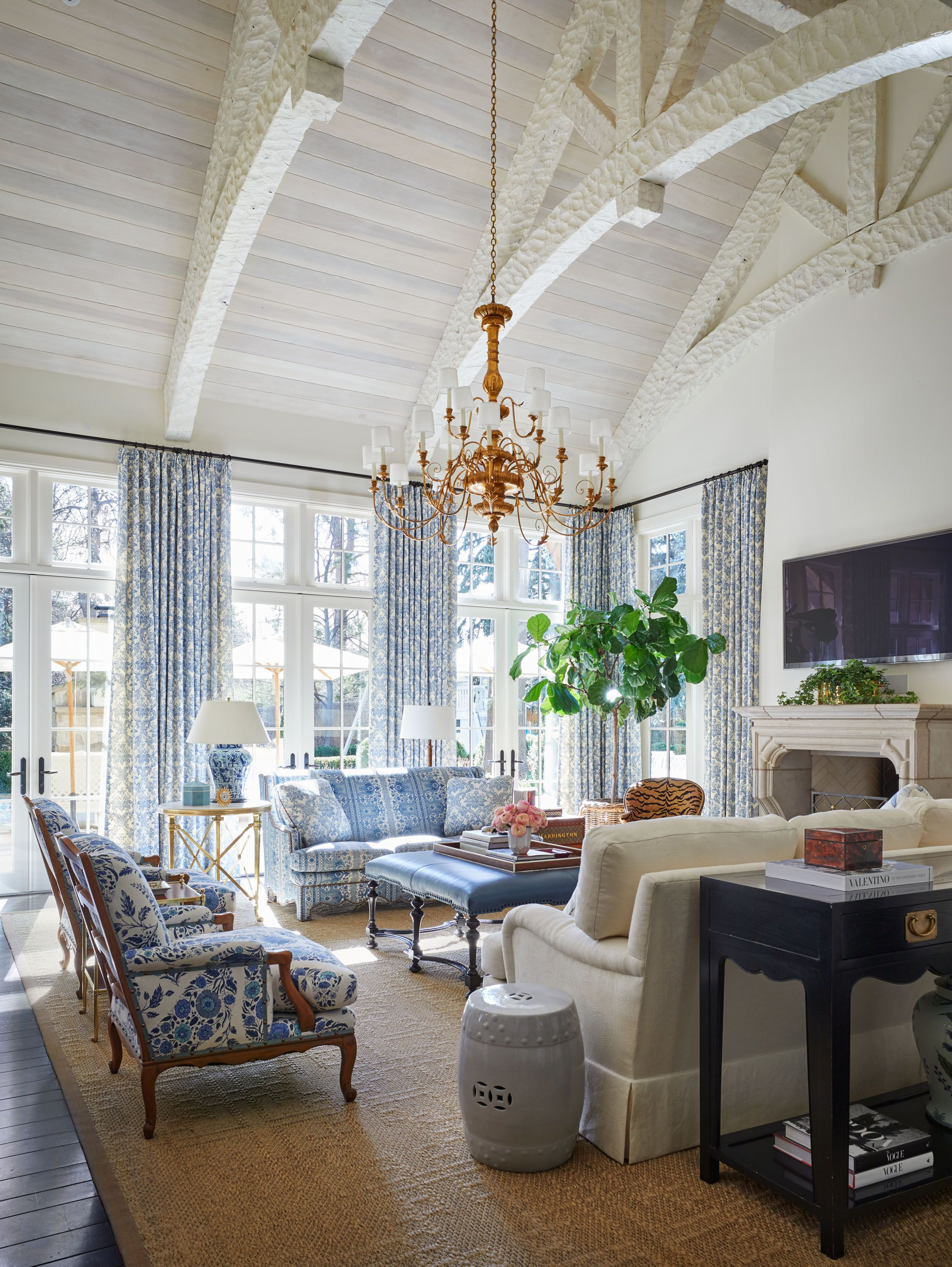 Design Osmosis   Blue, white living room, Traditional ...