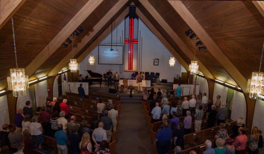 Grant Avenue Free Will Baptist Church / To Grant