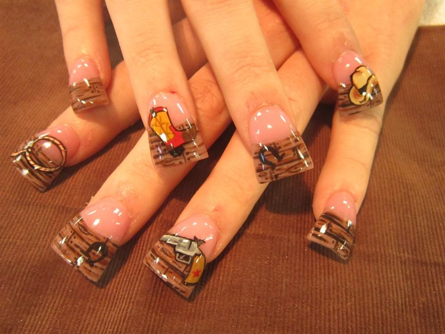 Can someone please explain to me these fan shaped nails? I don\'t get ...