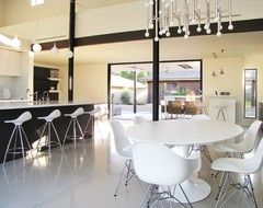 Houzz Tour: A Labor of Modern Love in Costa Mesa modern dining room