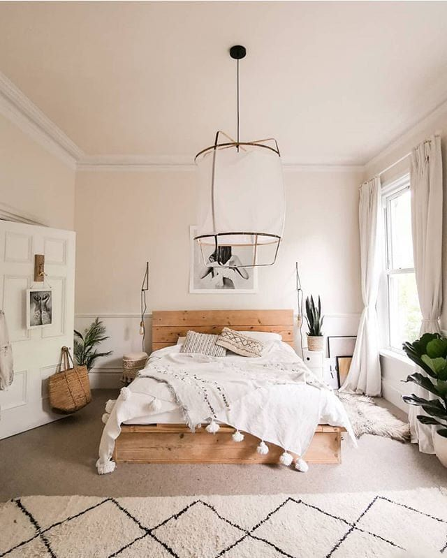 Oh how I'd love to have this bedroom! So bright and airy ✨🌿 #bedroomgoals #bedroomideas #bedroomdesign