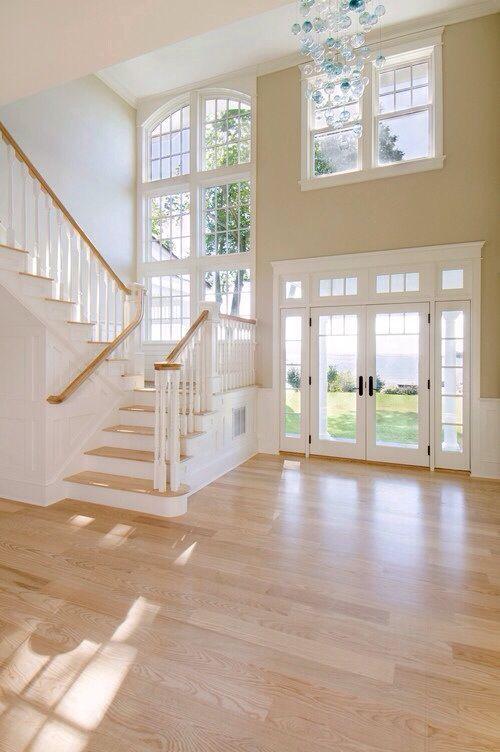 gro e fenster beim treppenaufgang traumhaus in 2018 pinterest gro e fenster. Black Bedroom Furniture Sets. Home Design Ideas