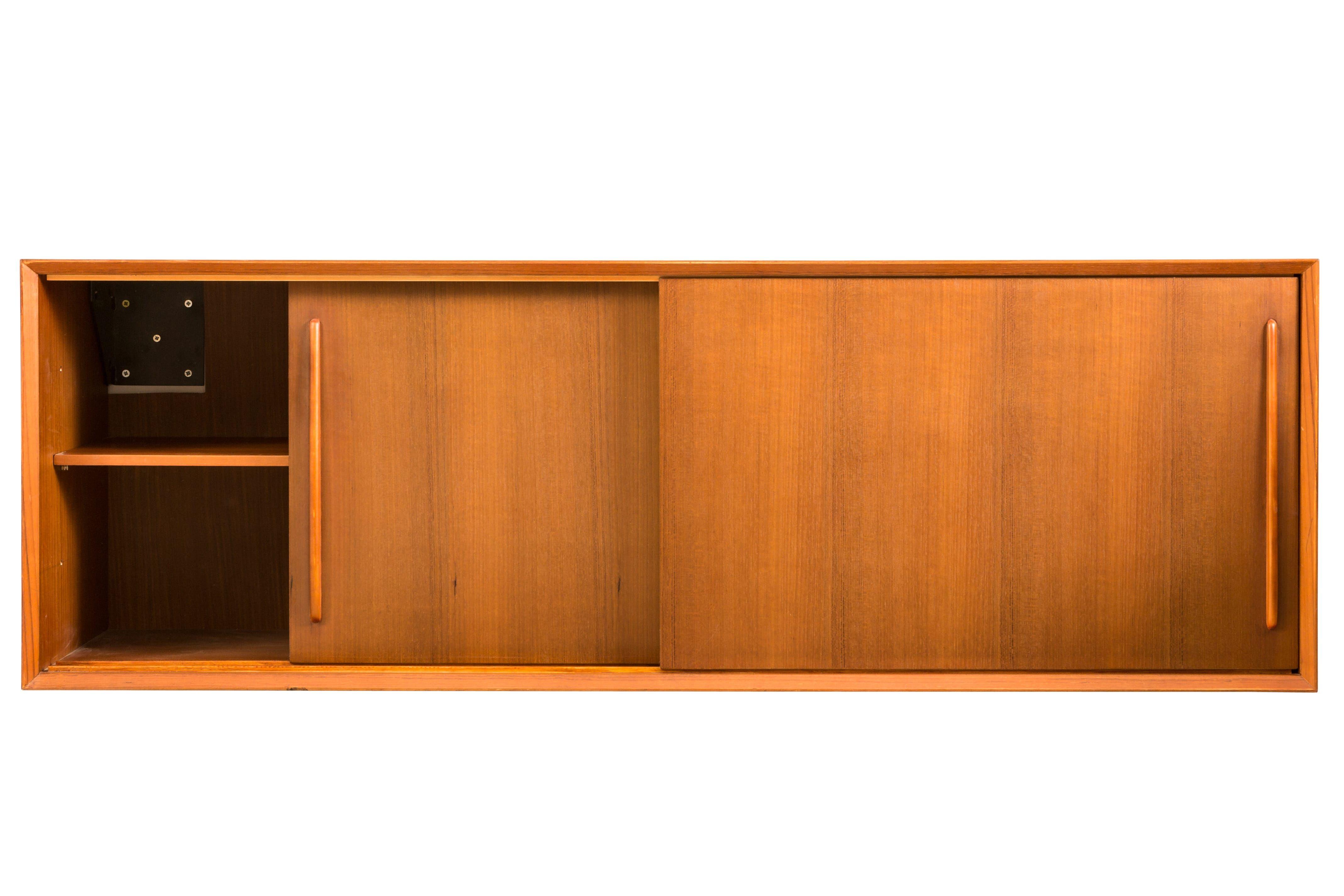 Nestor Cabinet In Teak Nestor Kast In Teak Vintage Cabinet Furniture Bathroomfurniture Badkamer Badkamerkast Badkamermeubel Teakhout Badkamer