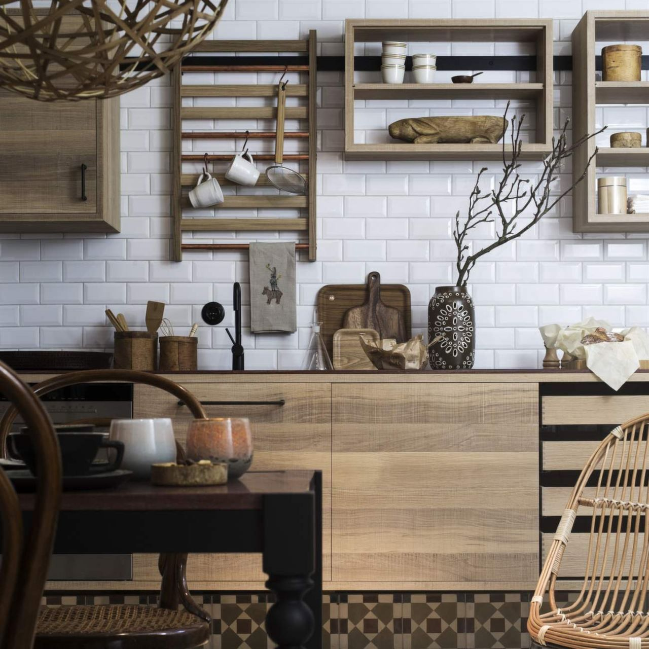 33 Modern Style Cozy Wooden Kitchen Design Ideas: Kitchen - French Cleats Instead Of Bars #build