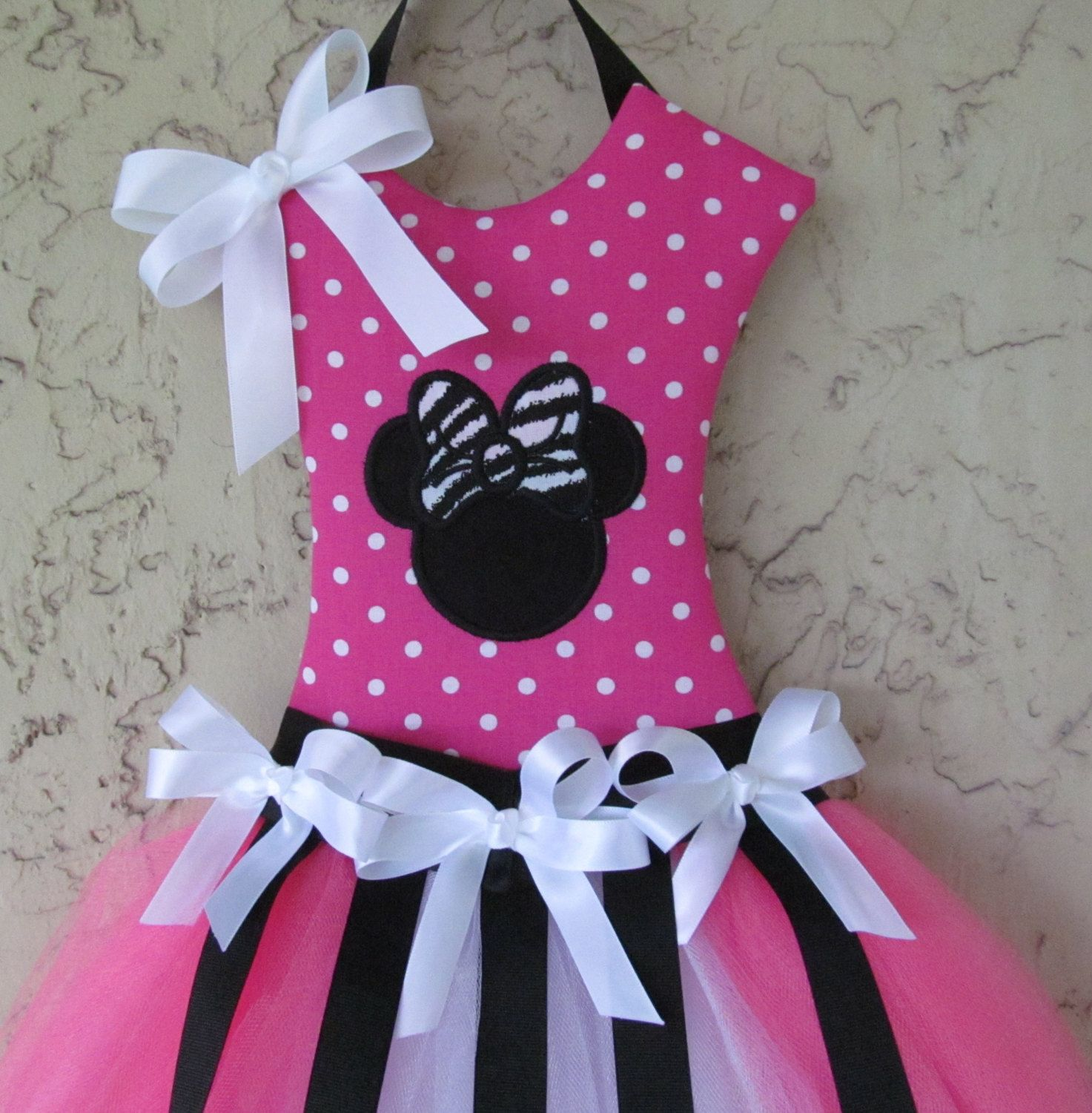 Minnie mouse hair bow holder tutu pink and black by - Ideas para porras ...