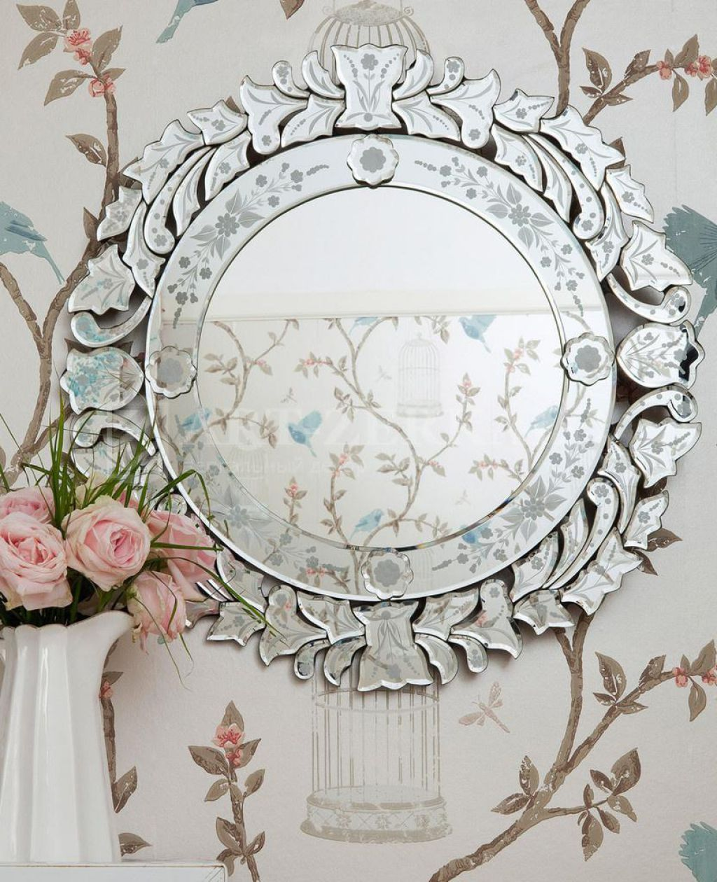 Elegant And Timeless Venetian Mirrors Venetian Glass Mirror Mirror Wall Antique Mirror Wall