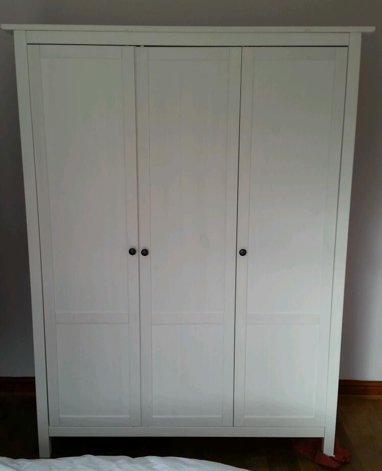 3 Door Ikea Hemnes White Wardrobe 2 Hanging Rails In Main Section 4 Shelves