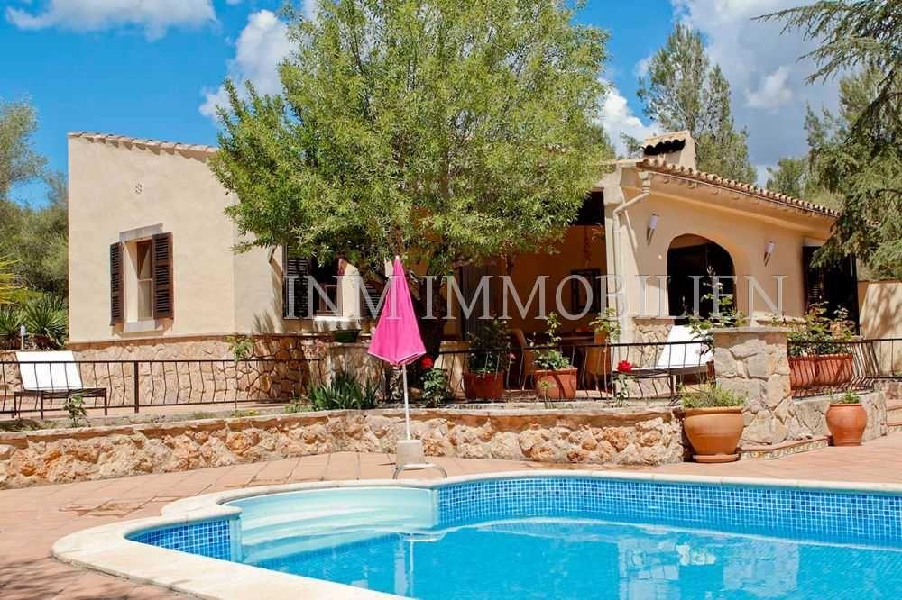 Sencelles Verkauf Finca Mit 2 Sz 1 Bad Heizung Pool Zum Verkauf V Lizenz 460000 Eur Sencelles Immobiliensuch In 2020 Finca Immobilien Mallorca Vermietung
