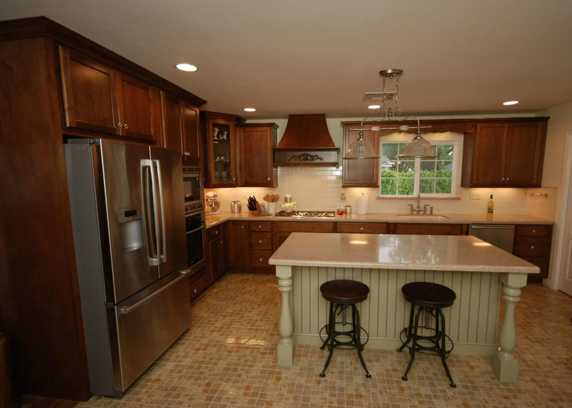 KraftMaid Cognac On Maple And Willow With Cocoa Glaze Island, Zodiaq Savory  Countertops With Waterfall