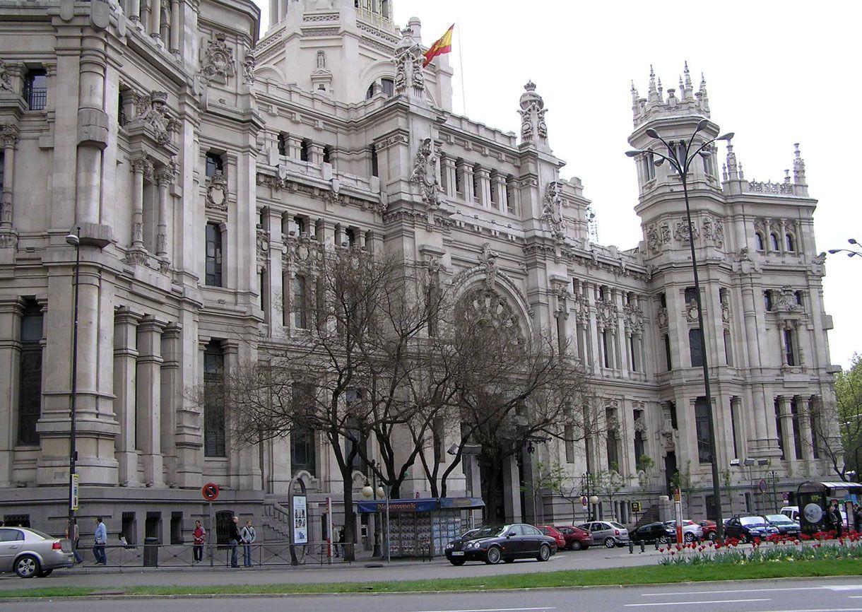 Palacio De Comunicaciones En Plaza De Cibeles De Madrid
