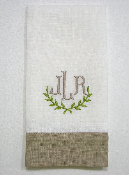 Contrasting wideband guest towel