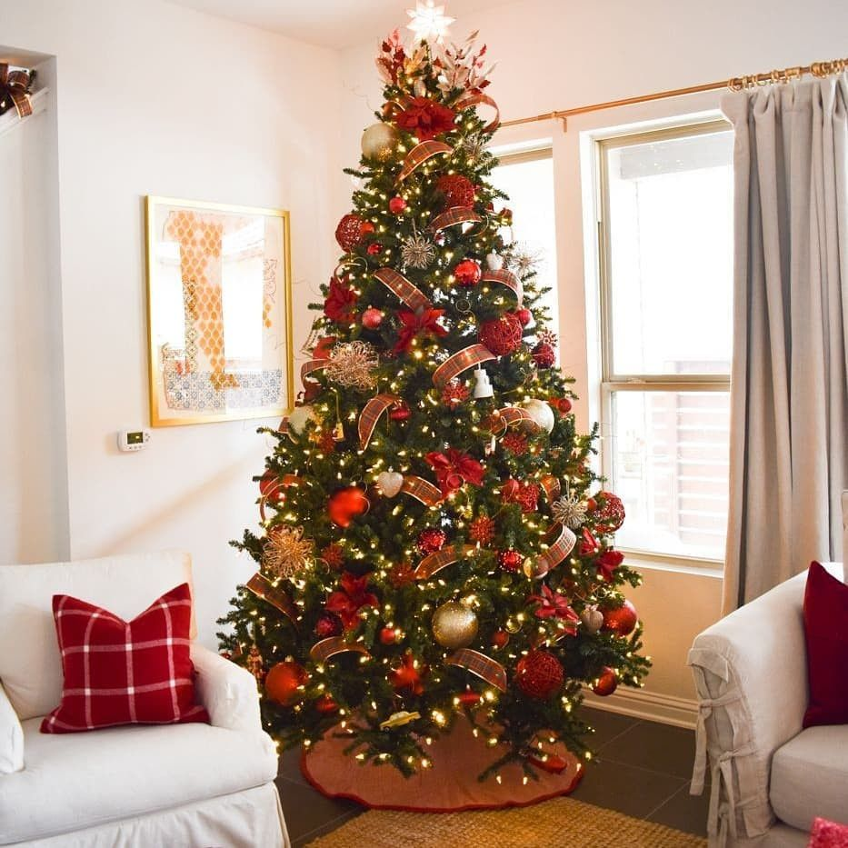 55 Cute Flocked Farmhouse Christmas Tree For 2019 #kerstboomversieringen2019