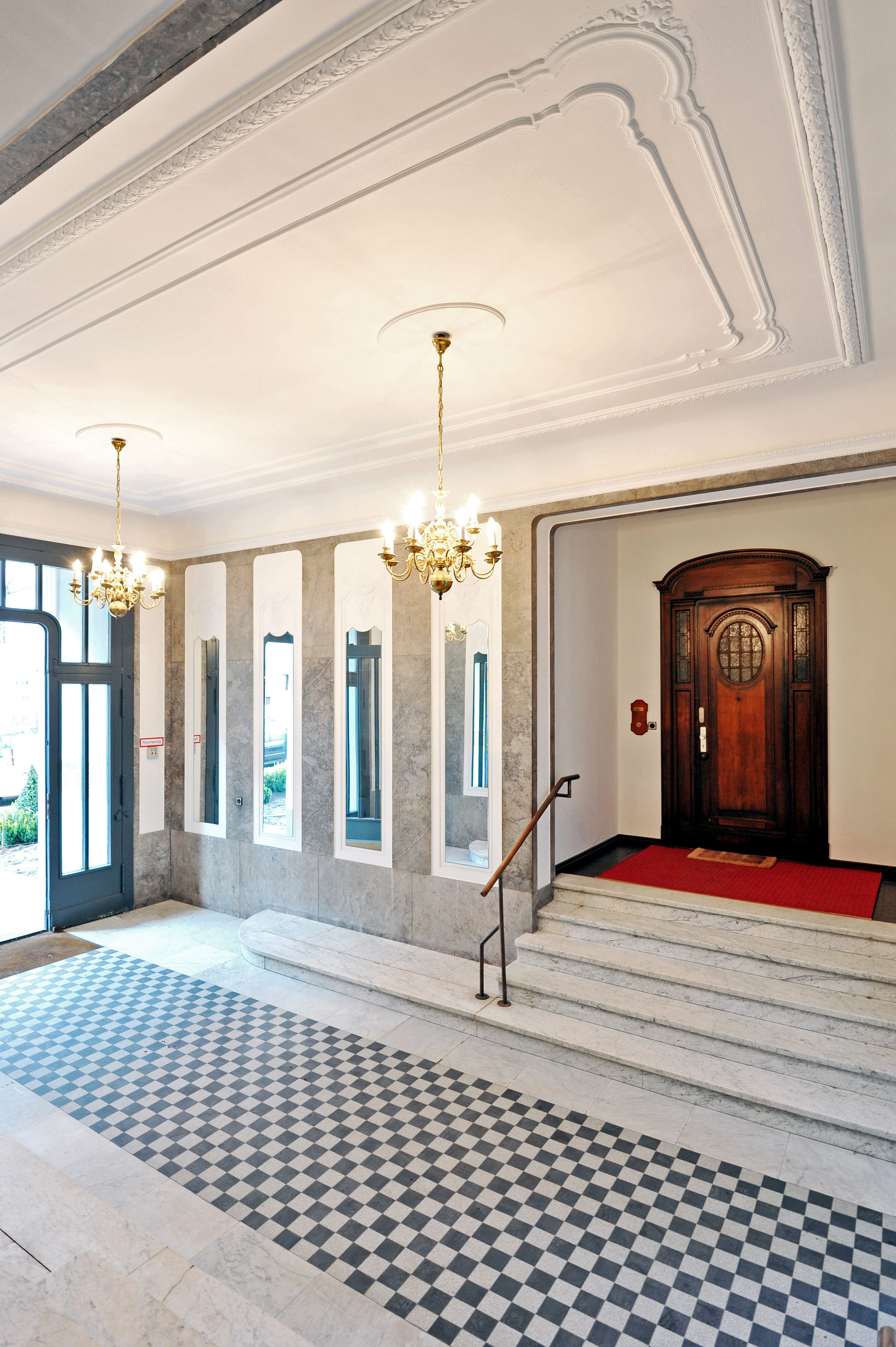 Nassauische Street has a very impressive and clean entrance.  #realestatelisting #realestate #realestatenews #realestatemarketing #realestateagent #investmentproperty #investment #financing #properties #propertysales #berlin #living  #home #newhome #househunting #entrance #beautiful