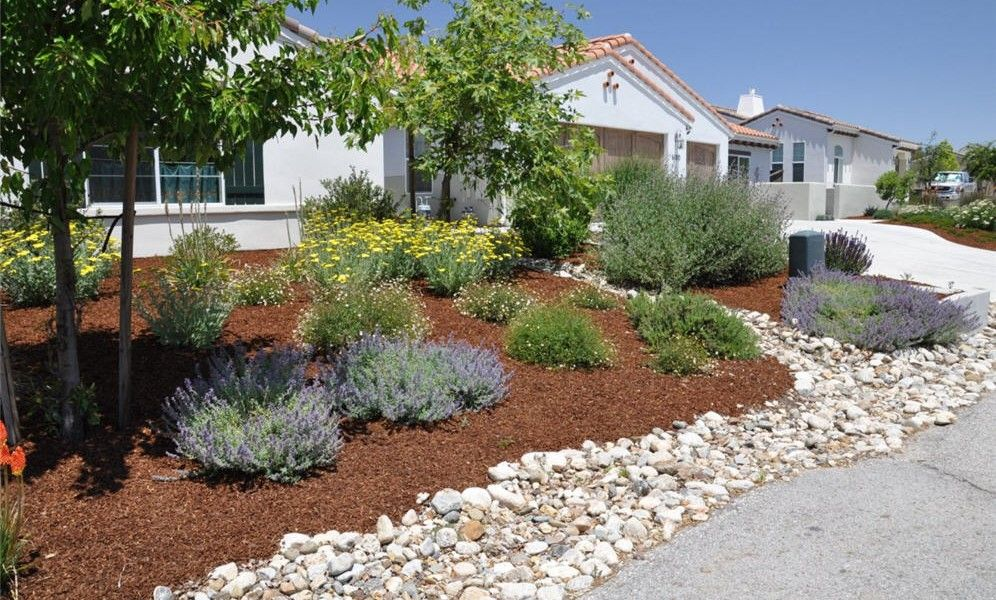 flagstone and rock landscaping ideas for front yard : best rock