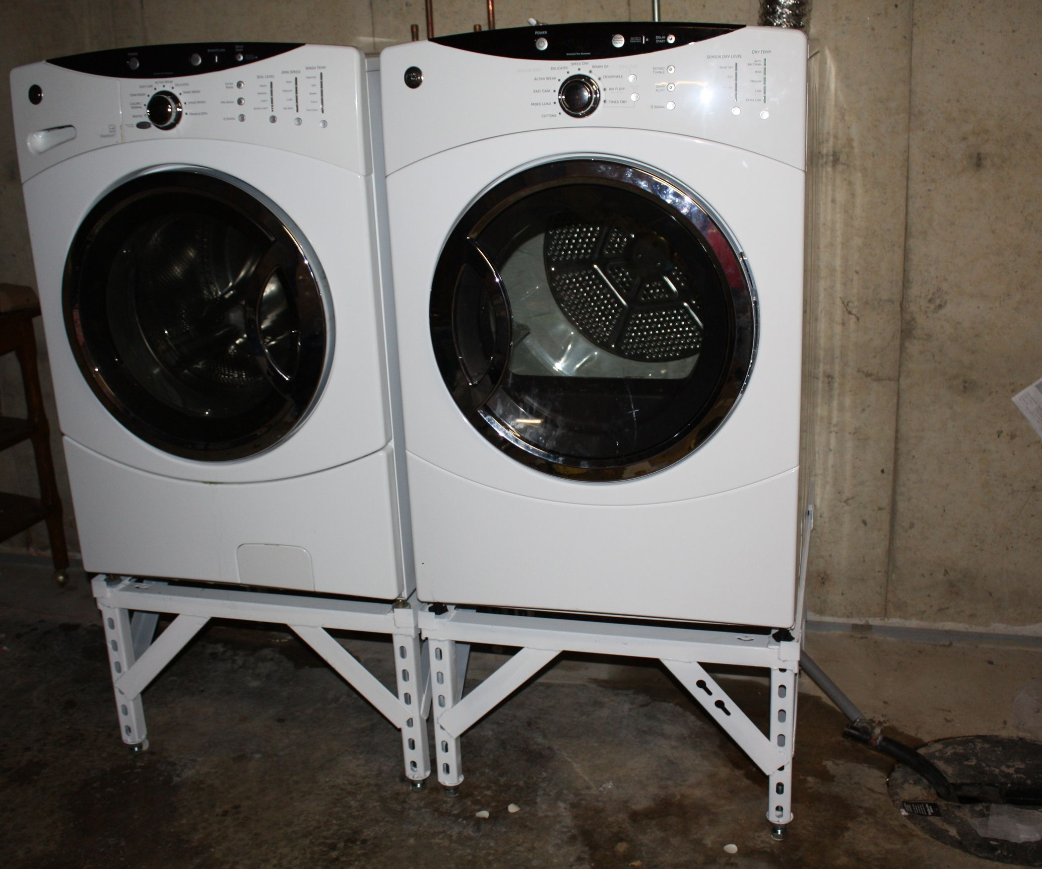 Steel Washer Dryer Stand With Adjustable Legs Washer And Dryer