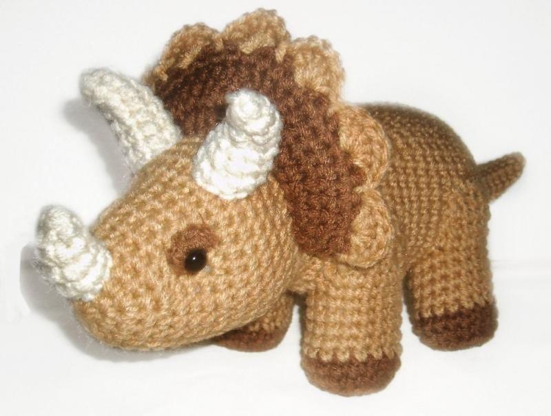 Amigurumi Dinosaur Free Pattern : Dinosaur trio crochet angels crochet and amigurumi patterns
