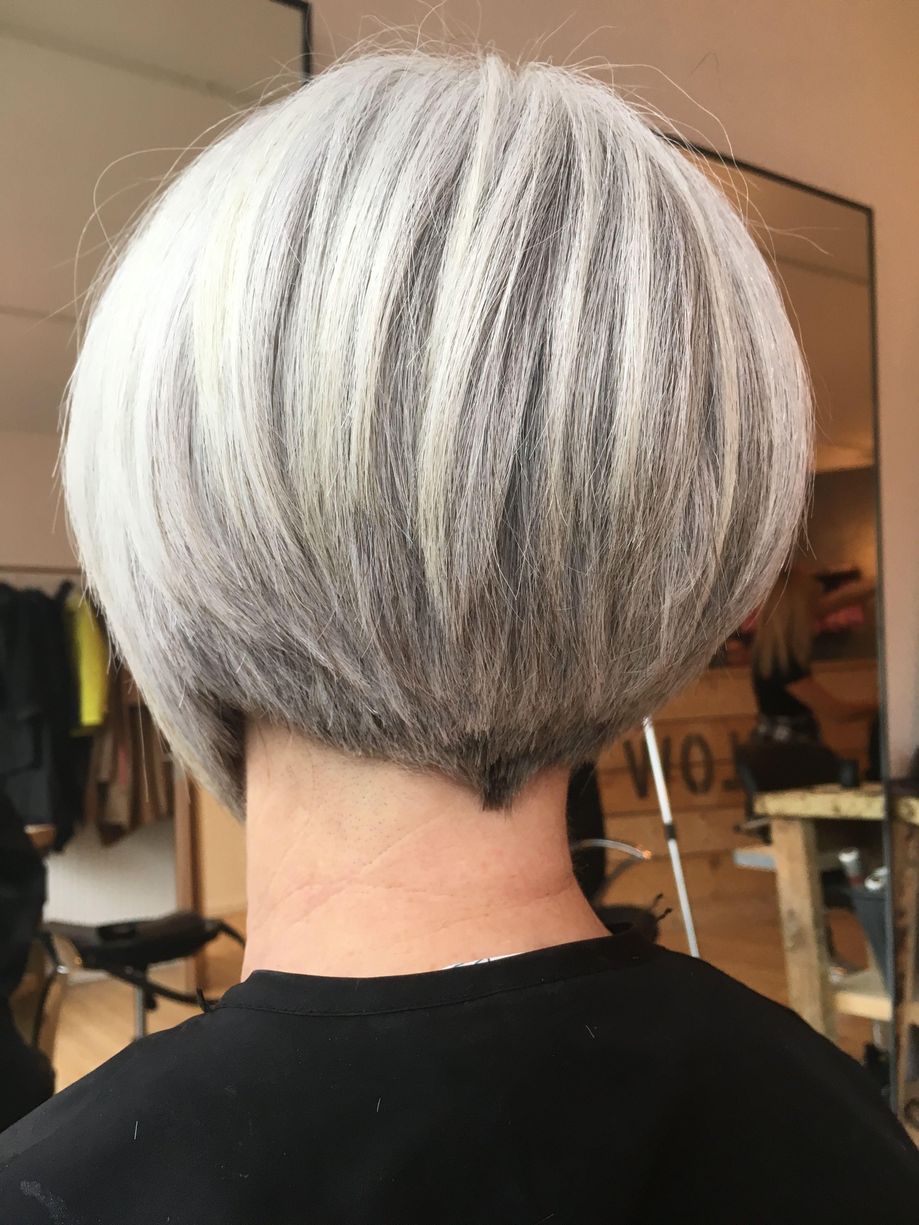 Grey hair. Short funky bob  Grey hair inspiration, Hair styles