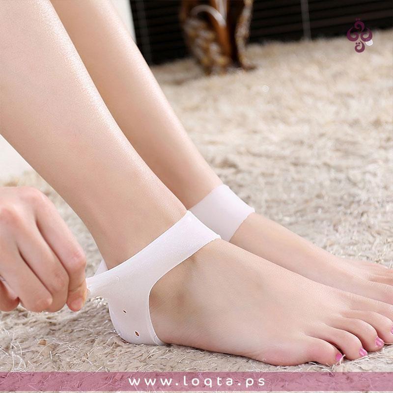 Item Gallery زوج من كعب القدم السليكون بتهوية جيدة للقدم يعمل على تخفيف الضغط على كعب القدم اثناء العمل او ال Socks And Heels Heel Protector Heels